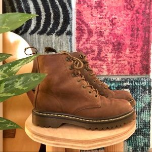 BROWN LEATHER DR MARTENS BOOTS 🧸🤎🍪
